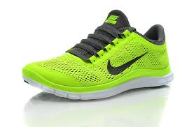 nike running shoes. new green nike running shoes