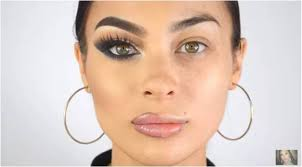 she posted a you video about it after she was inspired by a show named wake up and makeup this kicked off the trend of women sharing half photos of
