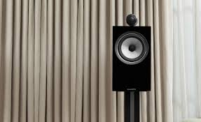 bowers and wilkins 700 series. elegant simplicity: the 700 series\u0027 room-friendly cabinets complement any living room or home cinema setting. hear music as artist intended it. bowers and wilkins series s