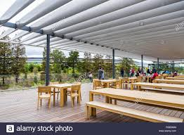Cupertino apple office Cupertino Construction April 29 2018 Cupertino Ca Usa People Relaxing On The Roof Of Alamy Apple Hq Cupertino Stock Photos Apple Hq Cupertino Stock Images