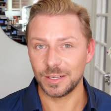 how to find your perfect lipstick without trying it on wayne goss you makeup artist extraordinaire shows you how to find the right shade