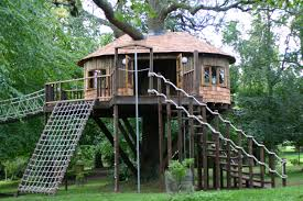 Exterior:Kids Playground With Small Backyard Treehouse Also Wood Planks  Wall Big Wood Diy Treehouse