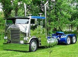 Coe Freightliner Custom Yes Its All Polished Stainless Steel And It S A Mirror Finish Big Trucks Freightliner Trucks Big Rig Trucks