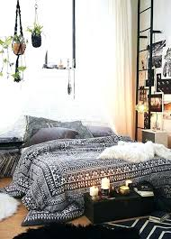 Bedroom Ideas For Tiny Rooms Decorating Bedrooms With Big Small