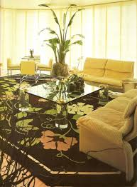 how to decorate with black she holds