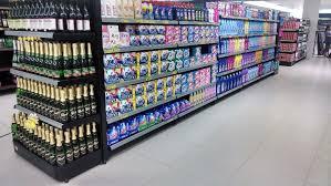 Resultado de imagem para fotos de prateleiras de material de limpeza em supermercados