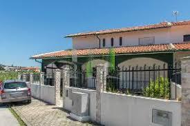 Dois andares de moradia, em fermentões, guimarães. Casas Moradias Para Venda Em Figueira Da Foz