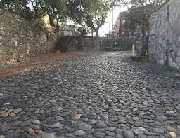 ballast stones street wall savannah