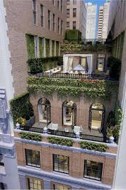 Classic Style Street - New york apartments outside