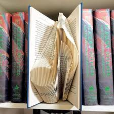 i usually spend all day folding book and listen to makes me happy and creative 204 pages this books pattern is