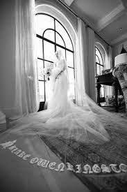 Gwen Stefani's Two Vera Wang Wedding ...