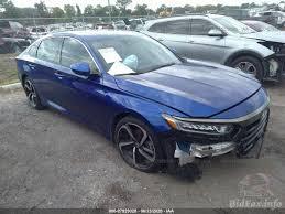 Does the 2018 honda accord sport 2.0t offer more than the toyota camry? Honda Accord Sedan Sport 2 0t 2019 Blue 2 0t Vin 1hgcv2f30ka009064 Free Car History