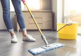 E por isso, o porcelanato polido conta com uma película que ajuda a proteger o piso durante a instalação e. Saiba Como Limpar Porcelanato E Quais Produtos Utilizar