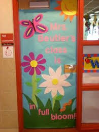 classroom-door-decorations-flowers i like maybe for spring
