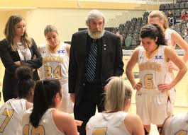 Basketball head coach named Coach of the Year - MountainviewToday.ca