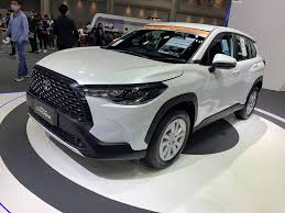 Car News Update - พาชม Toyota Corolla Cross 1.8 Sport ราคา...