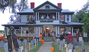 Small Picture Best Halloween Decorated Homes themontecristoscom