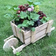 Diy Garden 16 Amazing Reclaimed Wood Diy Garden Ideas Style Motivation