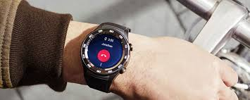 huawei smartwatch on wrist. apple watch 2 vs huawei smartwatch on wrist e