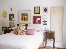 white bedroom wall decor ideas