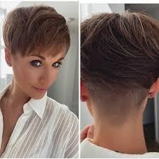 Разнообразие от форми и методи позволява да се създават като коса може да изглежда доста мърляв. Moderni Ksi Pricheski 2021 Za Zhenata