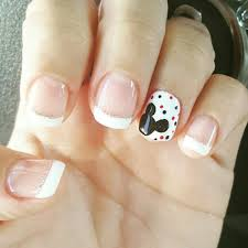 Nails ⇨ Follow City Girl at link https://www.pinterest.com/citygirlpideas/  for great pins and recipes! ☕ | Mickey nails, Disney nails, Mickey mouse  nails