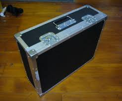 picture of build a flightcase pedal board