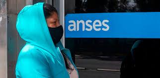 ANSES: Cómo es el plan para que puedan jubilarse mujeres sin aportes