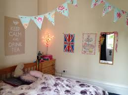 New To Spice Up The Bedroom Cute Ways To Decorate Your Room Walls