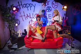 Nina Elle and Jessica Jaymes enjoy a hot Threeway 1 of 2