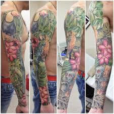 татуировка в цвете на всю руку парня тропический лес фото