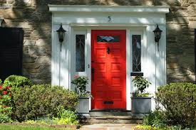 Decorations:Amazing Red Door In The Center Of Green Plants Crawl On The  Wall Red