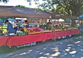 the produce peddler s farmers market display ideas