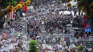 Image result for Người dân Sàigòn xuống đường phản đối dự luật đặc khu kinh te