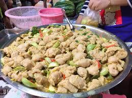 ร้าน แกงเขียวหวานลูกชิ้นปลากราย (ตลาดหน้ากองสลาก) | รีวิวร้านอาหาร - Wongnai