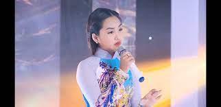 Cô bé Hà Nội 13 tuổi hát Bolero đầy cảm xúc - VietNamNet