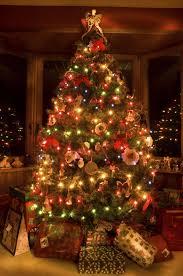 Christmas tree lighting ideas Decorating Ideas Christmas Tree Lighting Tips And Ideas For Easy Holiday Decoration Deavitanet Christmas Tree Lighting Tips And Ideas For Easy Holiday Decoration