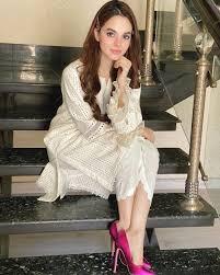 Komal meer is a pakistani instagram star. Q7fmbspncz7vdm
