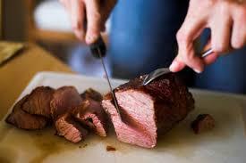 Resultado de imagen para imagenes de personas comiendo carnes rojas