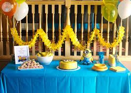Minion Birthday Party Ideas: Tabletop ideas by Cupcake Diaries