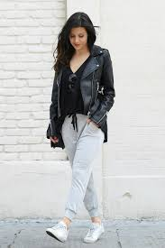 happy friday girls i m all about that friday casual and can i just say i m loving the athelisure and jogger trend right now
