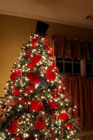 Decorating Christmas Tree With Balls Interesting Index Of Imagesstories32decorideas32homedecorideas