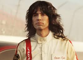 steven tyler appears to challenge emerson ipaldi in a kia stinger spot by david goliath