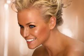cool makeup tips for tan skin s part 1 avoid too bright makeup use yellow colored foundation apply earth tone lipsticks