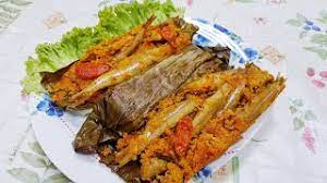 Pepes merupakan masakan yang banyak variasi resepnya. Cara Membuat Pepes Ikan Teri Mudah Dan Nikmat Ala Kreasi Dapurku Youtube