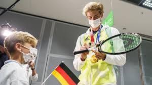 Feb 16, 2021 · the woman carrying alexander zverev's baby has dropped a bomb on his recent claims they're harmoniously awaiting the impending arrival. Neuer Tennis Boom Dank Zverev Br24
