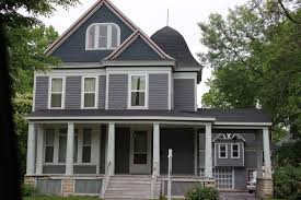 Victorian Mansion With Original Carriage House On Western Avenue, #Joliet,  Illinois. Sanderson Family Home Built By Julian Barnes 1886.