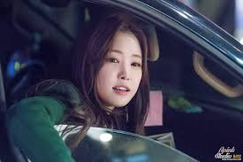 some idols don t look that great without makeup not our naeun she is a natural
