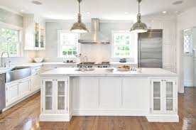 This clean yet traditional kitchen is the quintessential hamptons