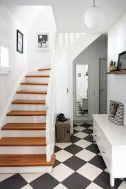 Erfahre hier, wie du selbst komplizierte treppenstufen mit einer treppenlehre (art. Treppenhaus Gestalten Schone Ideen Und Tipps